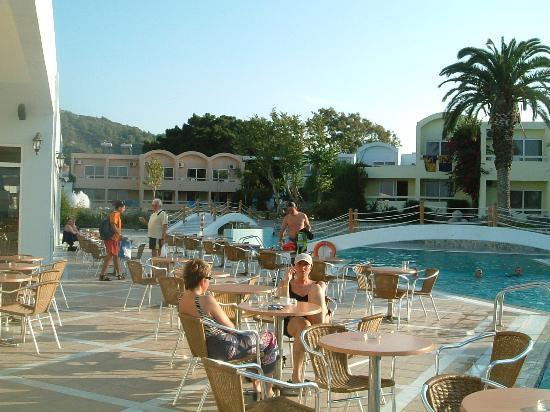 Avra Beach Resort Hotel - Bungalows: pool