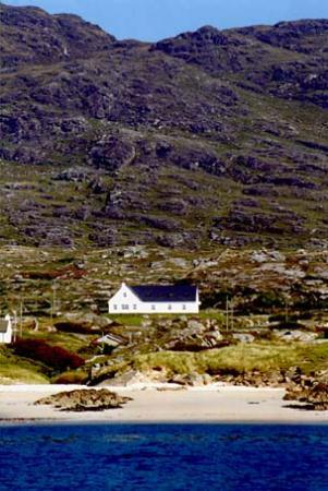 Errisbeg Lodge - with a view of the ocean