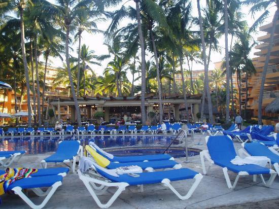 Villa del Palmar Beach Resort & Spa: Beach side pool
