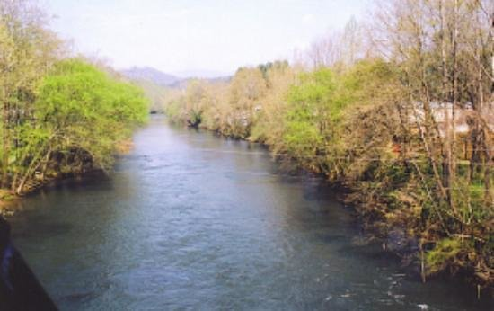 Great Smoky Mountains Railroad: view of river from train