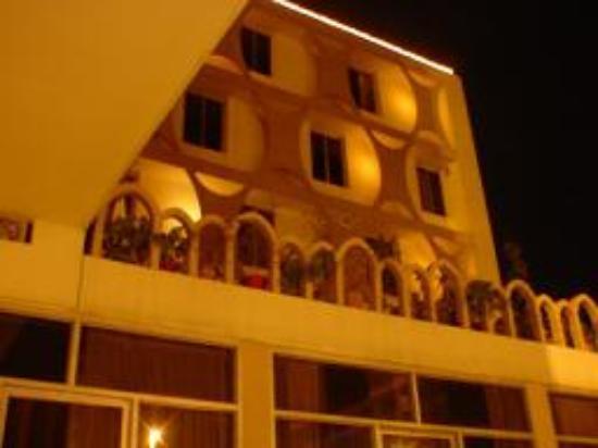Shalimar Hotel Photo