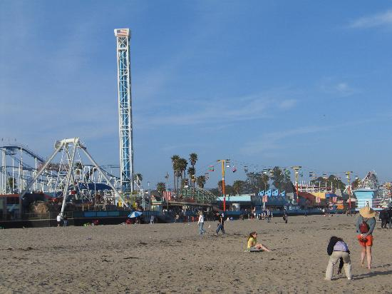 Santa Cruz Beach Boardwalk: Beach view