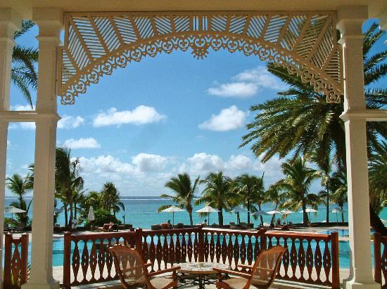 The Residence Mauritius: seevieuw from the lobby