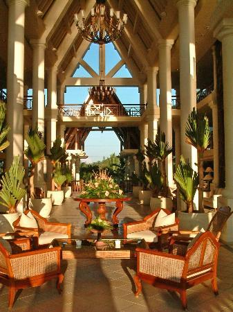 The Residence Mauritius: the lobby early in the morning