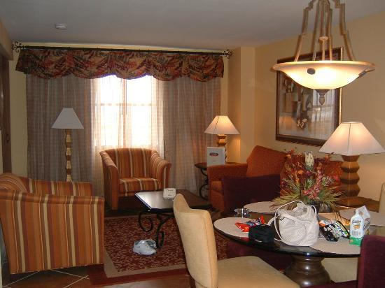 Grandview at Las Vegas: Living & Dining room area