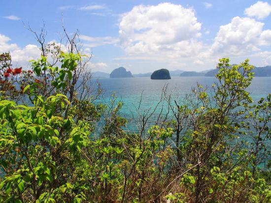 Palawan Island, Philippines: View from a slendid hiking trail in the Bacuit Archipelago