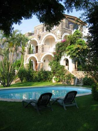 Posada Del Tepozteco: The old swimming pool