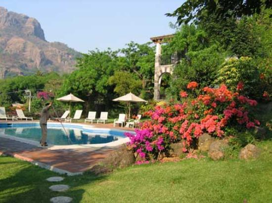 Posada Del Tepozteco: the new swimming pool