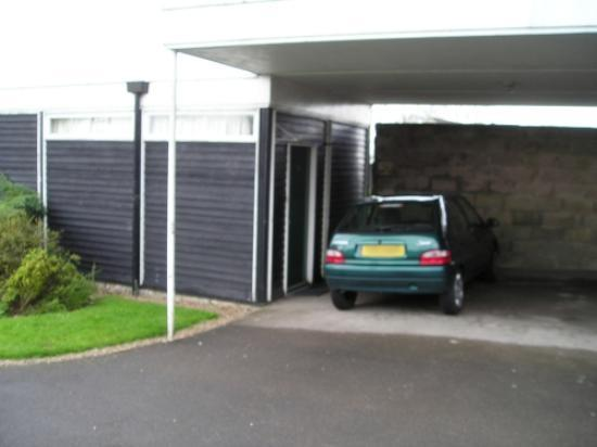 Swinscoe, UK: Chalet with parking