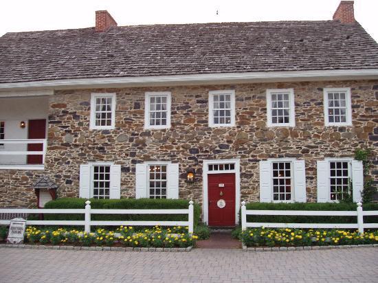 The Gaslight Inn Bed and Breakfast: Dobbins House Restaurant