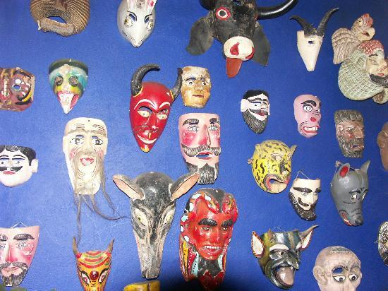 Hotel La Casona: masks near dining room