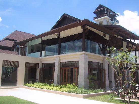 Anantara Si Kao Resort : Restaurant & bar