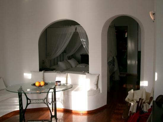 Anastasis Apartments: Honeymoon Suite Interior