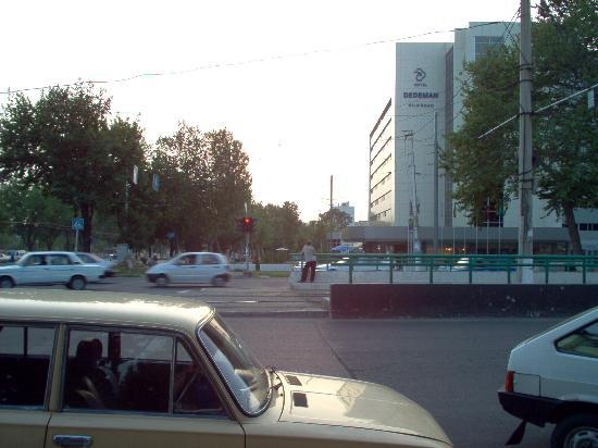 Wyndham Tashkent: Dedeman seen from the crossroads