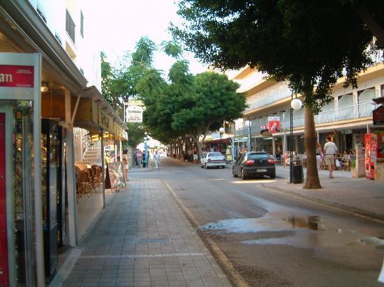 Protur Bonaire Aparthotel: cala bona
