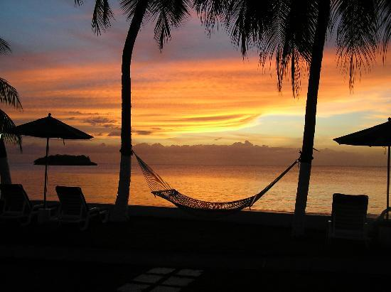 Villa Beach Cottages: Sunset view from our villa