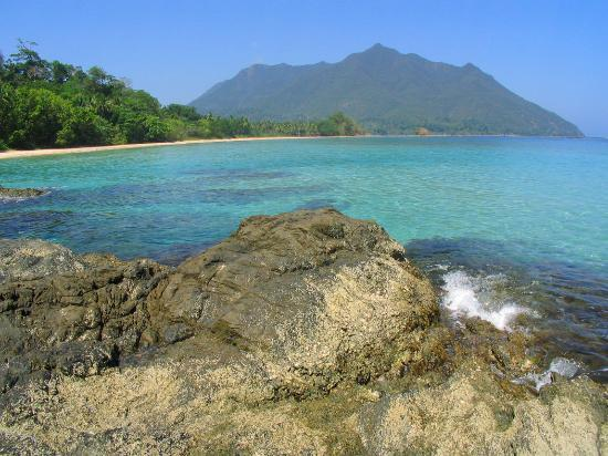 Puerto Princesa, Filippinerne: View along the beach in Sabang