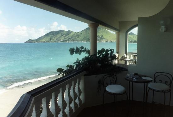 Le Petit Hotel: View from a second-floor balcony