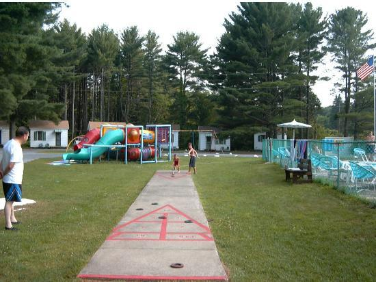 Catskill Motor Court: Lots for kids to play with