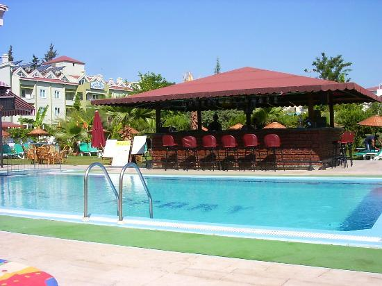 Photo of Esmeralda Apartments Marmaris