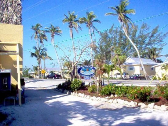 Castaways Cottages of Sanibel: the resort