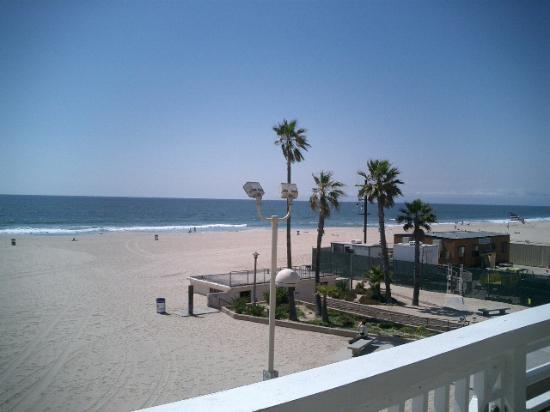 view from balcony picture of beach house hotel hermosa. Black Bedroom Furniture Sets. Home Design Ideas