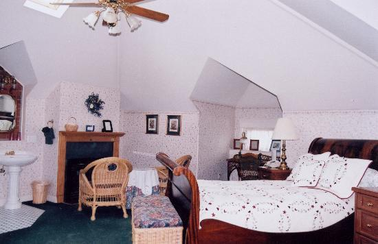 The Edwards House: View of the Montezuma Fuller Suite.