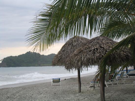 Hotel Las Brisas del Pacifico : Beach