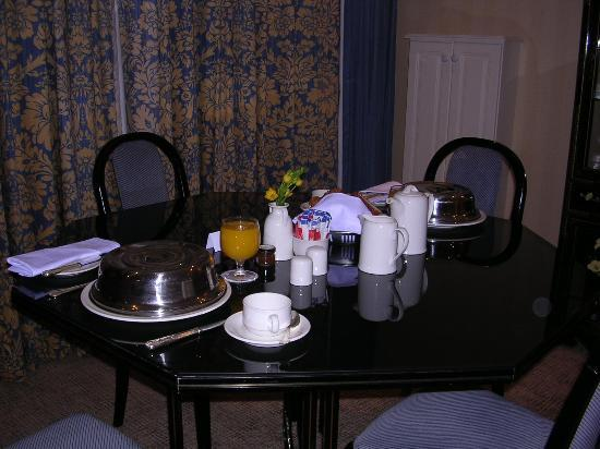 The Westbury: Room service breakfast