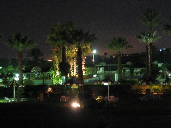 Hasdrubal Thalassa Hotel & Spa Port El Kantaoui: Complex at night