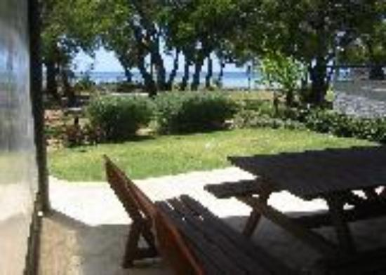 Geographe Cove Resort: Our view from the entertaining area
