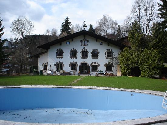 Villa Mellon: Rear Aspect