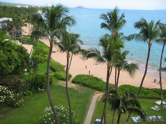 Mana Kai Maui: More grounds and beach from 7th floor