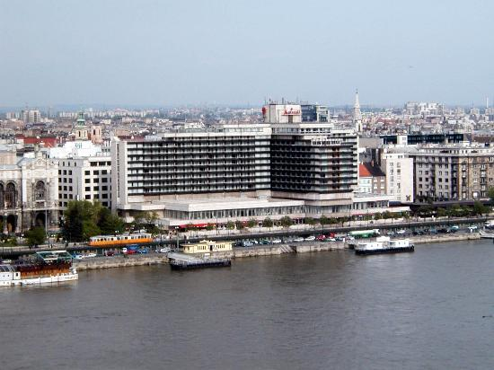 Budapest Marriott Hotel : View of hotel from across the river