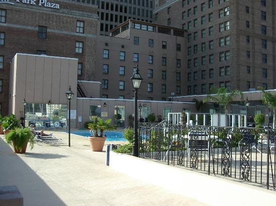 Park Plaza New Orleans: Pool