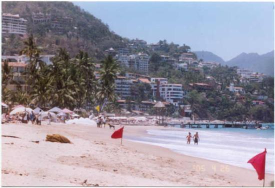 Hotel Posada de Roger: On the beach