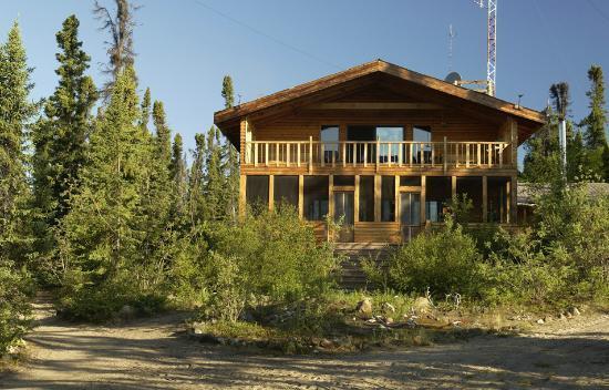 North Knife Lake Lodge: Front of Lodge