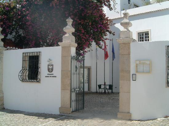 Pousada de Ourem - Fatima Historic Hotel : Hotel Entrance