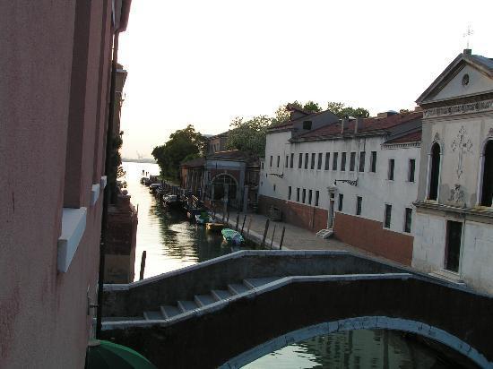 Eurostars Residenza Cannaregio: Canal side view 1