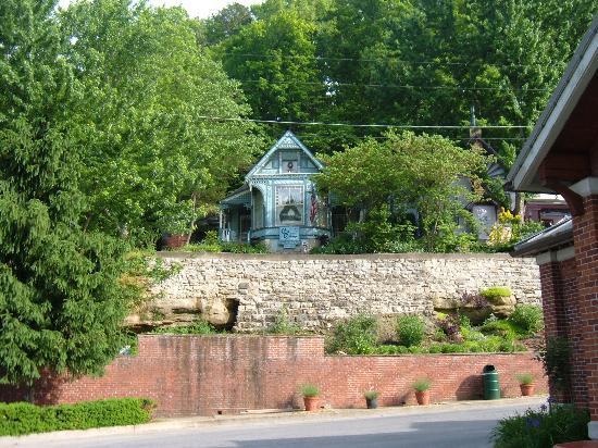 Foto de Cliff Cottage Inn - Luxury B&B Suites & Historic Cottages
