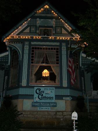 Cliff Cottage Inn - Luxury B&B Suites & Historic Cottages Photo
