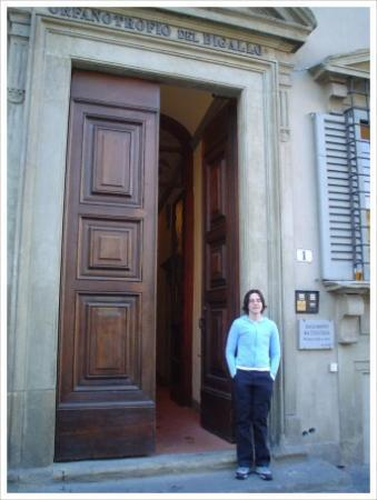 Large doors...small sign - Picture of Soggiorno Battistero ...