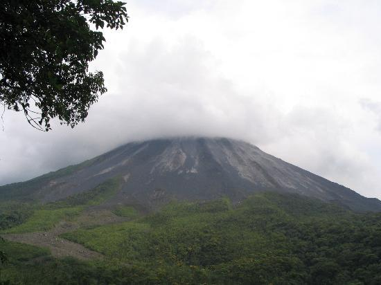 Arenal Paraiso Hotel Resort & Spa: View of Arenal Volcano from cabin at Arenal Paraiso