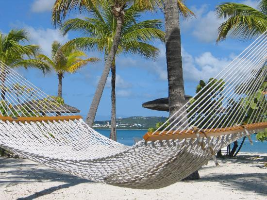 Jumby Bay, A Rosewood Resort : Relax in the two-person hammocks!