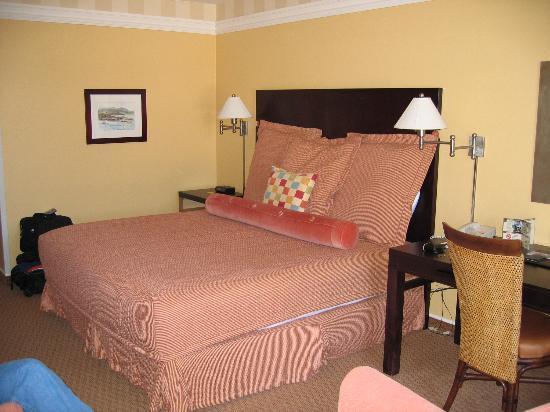 Portola Hotel & Spa at Monterey Bay : So comfortable!
