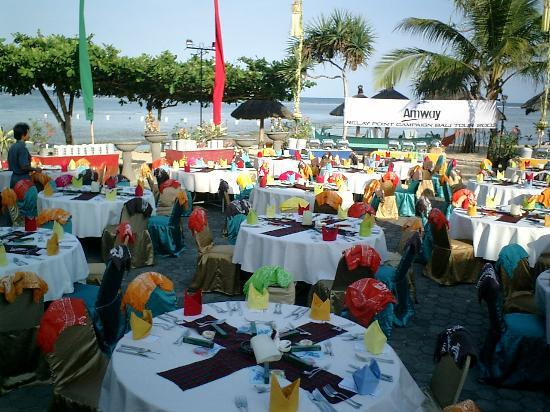 Grand Mirage Resort : Buffet Dinner on the Beach