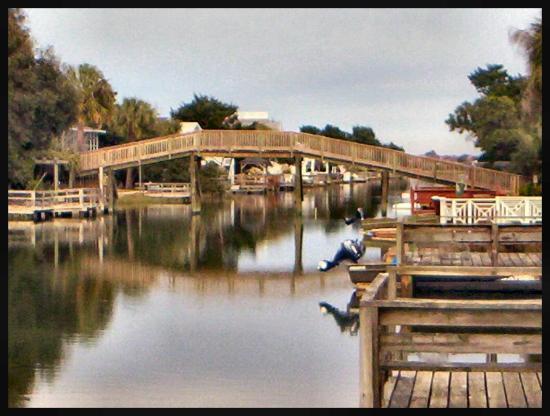 Oceanfront Litchfield Inn: This bridge is so cool near Litchfield Inn