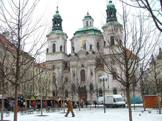 Little Quarter: Old Town Square