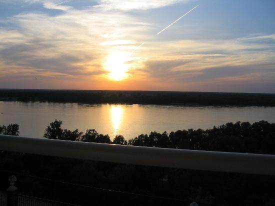 Riverside Bed and Breakfast: Sunset from balcony