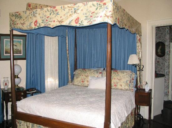 Riverside Bed and Breakfast: Guest room